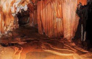 Phát hiện những bộ xương phát sáng ở hang địa ngục bí ẩn