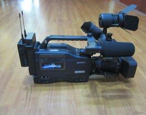 Máy quay phim SONY 3D-Full HD hổ trợ chống rung !