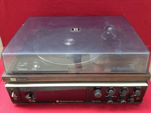 Victor 3 trong 1. amply, turntable, radio