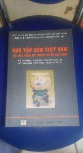 Sách sưu tập gốm việt nam tại bảo tàng mỹ thuật tp hcm. Dày 76 trang