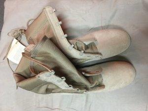 Giày mỹ