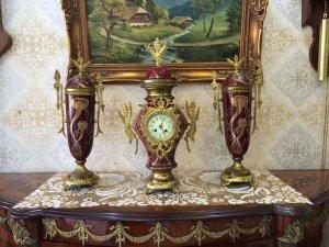 Bộ đồng hồ 3 món sứ lắc kê vàng sx Pháp 1930