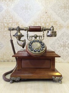 Điện thoại để bàn cổ điển Châu Âu