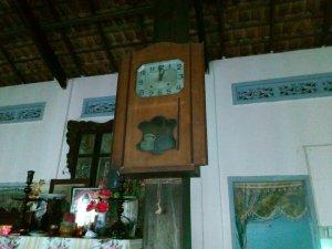 Đồng hồ quả lắc cũ