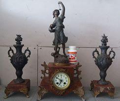 Đồng hồ cổ pháp bằng đồng và đá cẩm thạch nặng hơn 10kg hội xuân độ