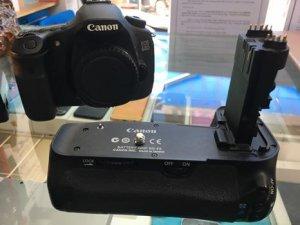 Cần bán máy ảnh canon 60D body like new