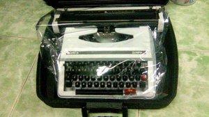 Cung cấp máy đánh chữ cơ và điện tử các loại