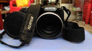 Máy Ảnh Fufi S2940WM + Lens Tamron 70 - 300 + Flash Mago