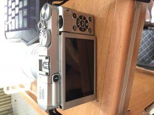 Cần bán Fujifilm X-A2 và len kit 16-50