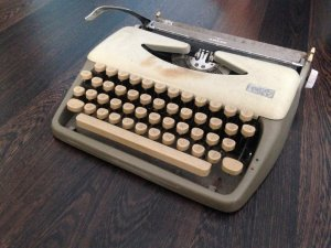 Bán máy đánh chữ cổ giá 500k