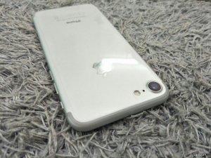 iPhone 7 silver 32GB. Còn BH 1 đổi 1. Chính hãng