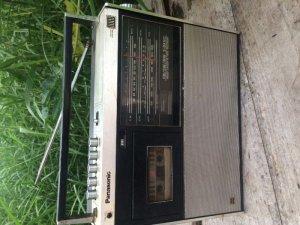 Radio cassetle National