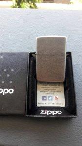 Zippo đời số mới chưa lên lửa. Có hộp. 550k