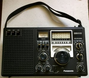 Đài RF-2200 Panasonic 8 Band AM FM Shortwave