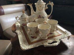 Bộ đồ uống trà nhập từ Vatican