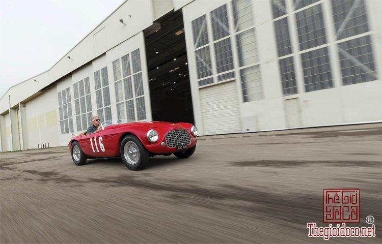 Ferraris-116-mot-trong-nhung-chiec-Ferraris-cuc-hiem-duoc-dua-ra-dau-gia (2).jpg