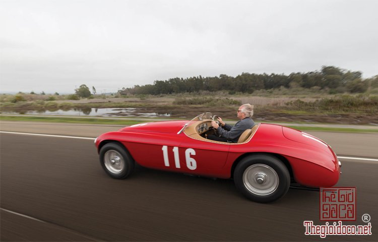 Ferraris-116-mot-trong-nhung-chiec-Ferraris-cuc-hiem-duoc-dua-ra-dau-gia (8).jpg