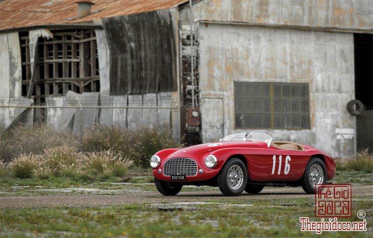 Ferraris-116-mot-trong-nhung-chiec-Ferraris-cuc-hiem-duoc-dua-ra-dau-gia (10).jpg