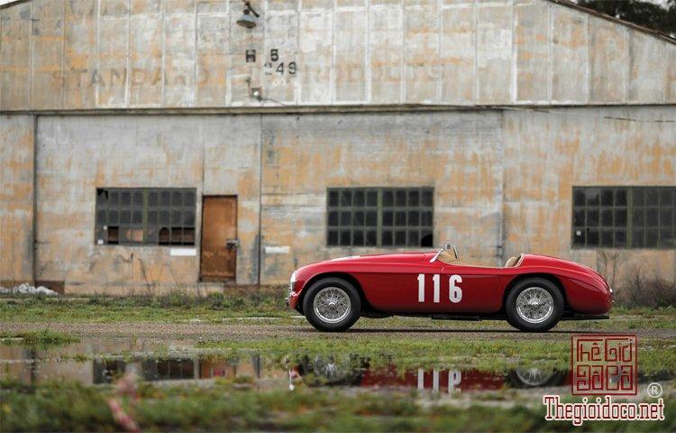 Ferraris-116-mot-trong-nhung-chiec-Ferraris-cuc-hiem-duoc-dua-ra-dau-gia (14).jpg