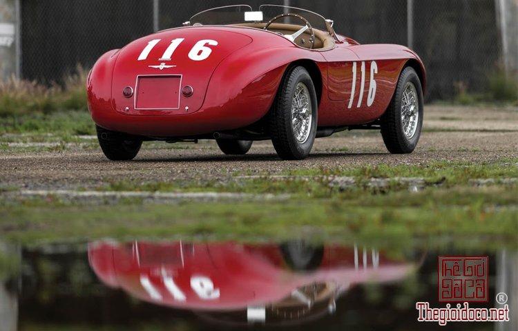 Ferraris-116-mot-trong-nhung-chiec-Ferraris-cuc-hiem-duoc-dua-ra-dau-gia (15).jpg