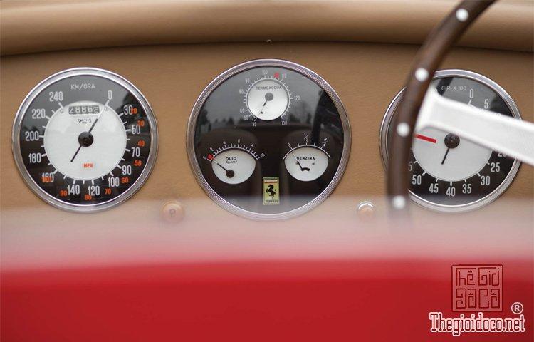 Ferraris-116-mot-trong-nhung-chiec-Ferraris-cuc-hiem-duoc-dua-ra-dau-gia (27).jpg