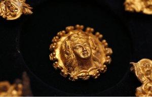 Các nhà khảo cổ tại Bulgaria vừa phát hiện được kho báu cổ 2.400 năm trước Công nguyên
