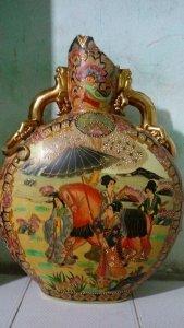 Bình đồng hồ gốm Satsuma Nhật bản