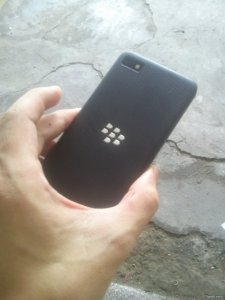 Blackberry Z10 ít dùng nên ra đi