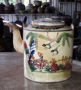 Bình trà màu lái thiêu xưa giao lưu