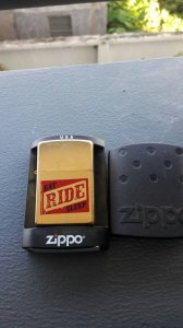 Zippo 04 xi bụi vàng new còn tem đỏ. Giá 450k