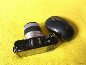 Máy ảnh Pentax Q siêu nhỏ gọn và lens 5-15mm