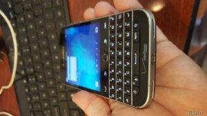 Cần bán Blackberry Q20 Classic màu đen giá 1tr8