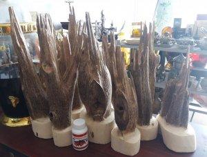 Trầm hương nguyên chất kiểu cây làm phong thủy rất đẹp và thơm