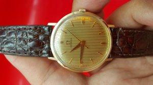 Đồng hồ lucien picard mặt bằng vàng rất hiếm, xưa chính hãng