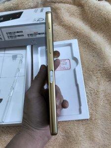 Bán Sony Z5 Premium 2 sim tgdđ - GOLD