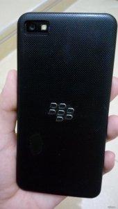 HCM-Thanh lý Blackberry Z10 màu đen