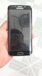 Samsung S6 Edge chỉ bị nứt kính nhẹ