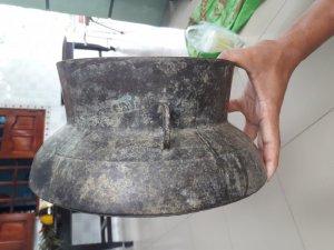 Bán nồi đồng xám của Campuchia niên đại hơn 200 năm