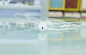 Những công dụng cực kỳ hữu ích của tai nghe iPhone mà bạn nên biết