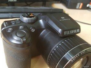 Máy ảnh siêu zoom Fujifilm S4800