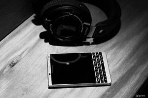 BLACKBERRY PASSPORT SILVER EDITION. PHÍM QWERTY 99%