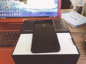 Iphone 7 plus 128gb Jet Black còn bảo hành lâu cần ra đi