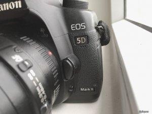 Cần bán Canon 5D Mark 2 giá 13 triệu.