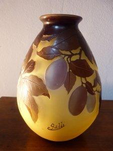 Bình hoa phale của Emile Gallé