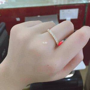 Những chiếc nhẫn vàng 10k đã làm đốn tim bao cô gái