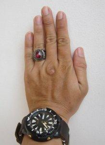 Nhẫn hợp kim quý hột đỏ in chìm chiến binh la mã,  size 20
