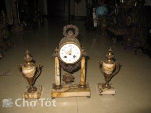 Đồng hồ cột đá Pháp cổ