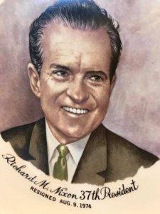 Dĩa tổng thống Mỹ Richard Milhous Nixon