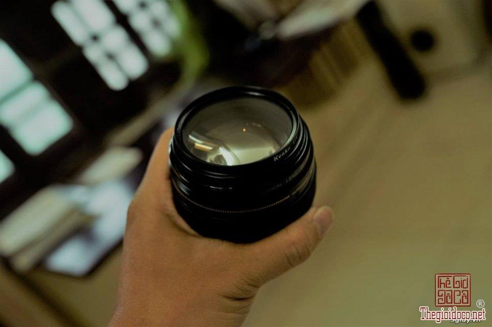 Lens-Canon-85 f1 (2).jpg