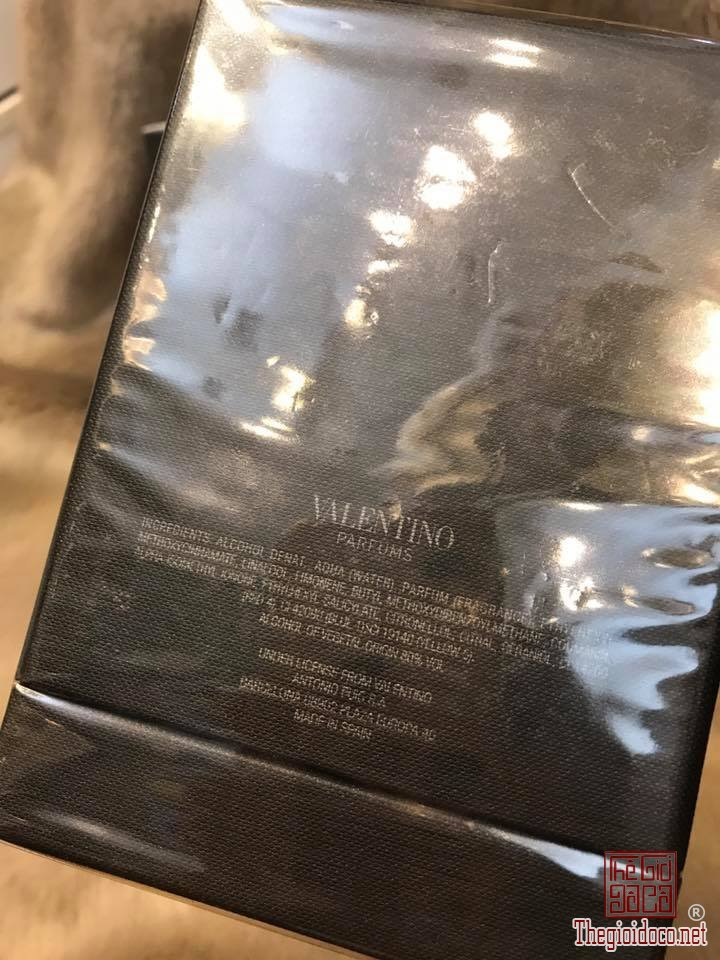 Valentino-Uomo-Edition-Noire-edt-100ml (2).jpg